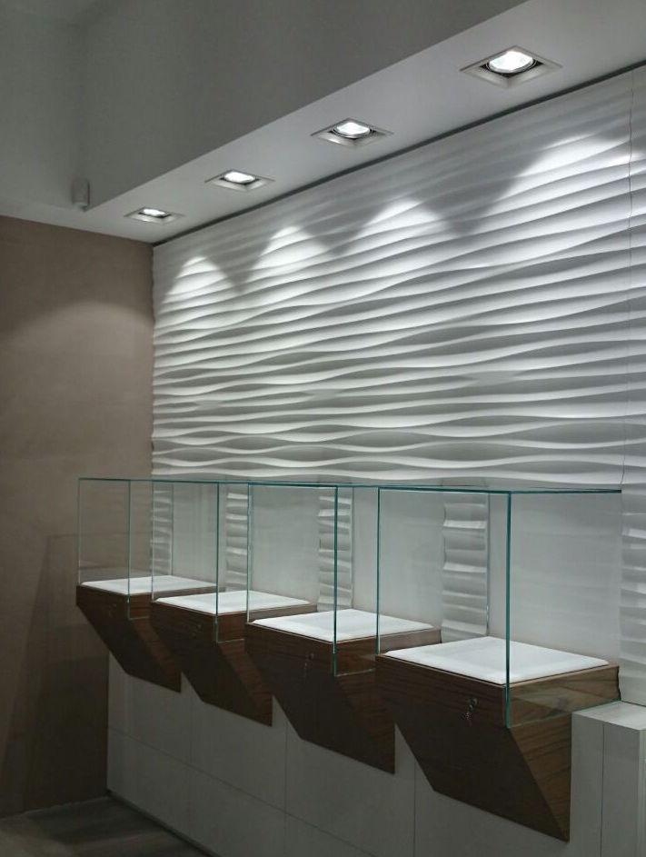 Gioielleria  parete a onde e teche espositive
